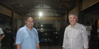 Calon Anggota Legislaltif (Caleg) DPR RI dari Partai Golkar, Muhammad Fauzi bertamu ke kediaman pribadi Bupati Pinrang terpilih, Andi Irwan Hamid. (ist)