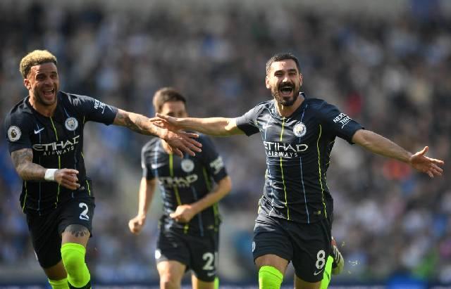 Selebrasi pemain Manchester City usai mencetak gol ke gawang Brighton and Hove Albion. (REUTERS)