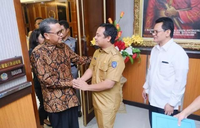 Gubernur dan Wakil Gubernur Sulsel, Nurdin Abdullah dan Andi Sudirman Sulaiman di suatu momen. Keduanya dikabarkan mulai pecah kongsi. (DOK BERITANEWS)