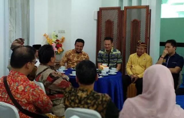 Pertemuan Wakil Gubernur Sulsel Andi Sudirman Sulaiman dengan Tokoh Agama dan Masyarakat, di Rujab Wagub, Jl Jusuf Dg Ngawing(Berita.News/AK)
