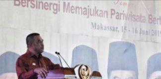 Wakil Bupati Kabupaten Kepulauan Selayar, Zainuddin menjadi pembicara pada seminar PSBM 2019, di Wisma Negara CPI Makassar. (Foto: IST/HMS)