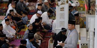 Bupati Gowa saat menyampaikan sambutan dalam rangkaian salat Idul Fitri 1440 Hijriah di Masjid Agung Syekh Yusuf, Rabu (5/6/2019).(Berita.news/ACP)