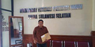 Ketua LSM Laksus Muh Ansar saat berada di Unit Direktorat Kriminal Khusus (Krimsus) Polda Sulsel, Kamis (13/6/2019).
