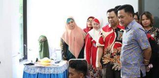 Bupati Bantaeng, Ilham Azikin saat melakukan pemantauan pelaksanaan Terminal Darah di Puskesmas Kota, Kamis (13/6/2019).