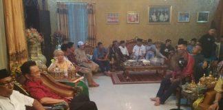 Pertemuan adat yang berlangsung di Kediaman Andi Baso Mahmud Karaeng Tumailalang Lolo, Jalan Basoi Daeng Bunga Sungguminasa. (Berita.News/ACP)