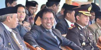 Foto : Internet/Andi Aslam Patonangi (Enggang Di foto di ruang kerjanya).