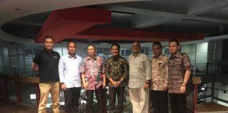 Bupati Bantaeng (tengah) bersama tim IAI.(Berita.news/Fitriani Aulia Rizka)