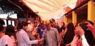 Sekda Kota Makassar Kunjungi Lokasi Kebakaran di Tallo.(Berita.news/Ratih Sardianti Rosi)