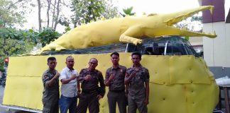 Kepala Satpol PP Gowa, Alimuddin Tiro (Tengah) bersama anggotanya. (Berita.news/ACP).
