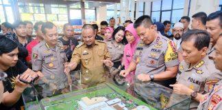 Wakil Gubernur Sulsel Andi Sudirman Sulaiman bersma Kapolda Sulsel Irjen Pol Hamidin.(Berita.news/KH).