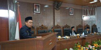 Tomy Satria Yulianto yang hadir dalam rapat paripurna menyampaikan sambutan. (BERITA.NEWS/IL).