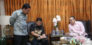 Pj Wali Kota Makassar Iqbal Suhaeb, Sekda Kota Makassar M Ansar, saat menyambut General Manager Citraland City Losari Makassar Hendra Wahyuadi beserta staffnya di Makassar, Selasa (29/7/2019). (BERITA.NEWS/Ratih Sardianti Rosi).