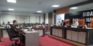 Kepala BPKP Perwakilan Sulsel Arman Sahri Harahap dalam sidang Hak Angket Dewan. (BERITA.NEWS/KH).