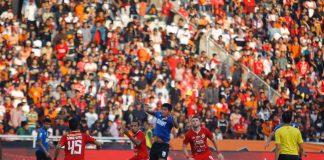 Persija Jakarta kontra PSM Makassar.