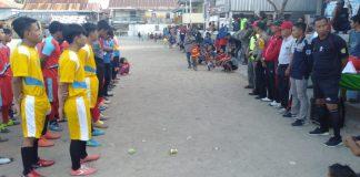 Turnamen sepakbola di buka Kapolsek Pulau 9 (BERITA.NEWS/Muhammad Aswin).