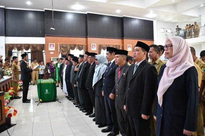 Bupati Sinjai Andi Seto Ghadista Asapa melantik pejabat dilingkungan Pemkab Sinjai, (BERITA.NEWS/Muhammad Aswin)