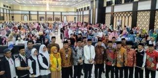 Gubernur Sulsel Nurdin Abdullah terima debarkasi jamaah haji di Asrama Haji Sudiang.