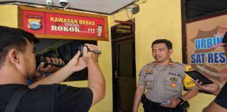 Plt Kasubag humas polres Jeneponto, Akp Syahrul saat memberi keterangan. (BERITA.NEWS/Ilham).