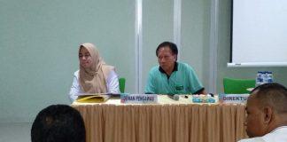 Direktur RS Maryam Citra Medika Dr. H A Rivai Ibrahim (kanan), Dewan Pengawas Dr Irmayani (kiri) saat gelar Press Conference bersama beberapa media cetak dan online. (BERITA.NEWS/Abdul Kadir).