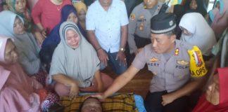 Suasana di rumah duka almarhum Hery alias Ateng Bin Syahrir Hanai, yang meninggal dunia di rutan Polres Jeneponto, Minggu (25/8/2019) sekitar pukul 07.50 Wita. (BERITA.NEWS/Ilham).