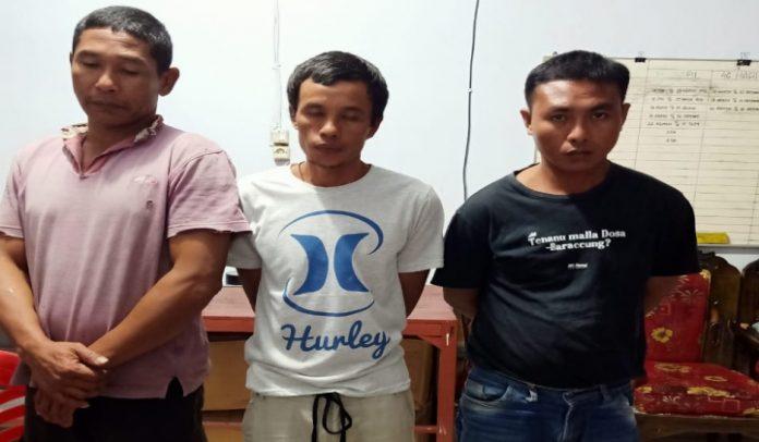 Tiga lelaki diduga pengguna narkoba jenis sabu ditangkap satres narkoba polres Jeneponto. (BERITA.NEWS/Ilham).