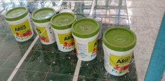 Cat merek Aries yang digunakan pengelola rehabilitasi gedung SPNF SKB Takalar. (BERITA.NEWS/Hasrullah).