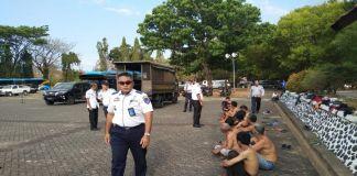 Tim Gabungan tangkap razia Pak Ogah. (BERITA.NEWS/Andi Khaerul)