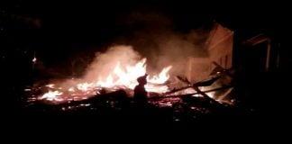 Poto (facebook) Rumah Milik Hj. Halim Hangus Terbakar. (BERITA.NEWS/IL).