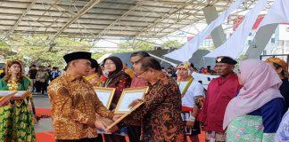 Gramedia terima Mitra Peduli PAUD dan Dikmas Tahun 2019 dari Mendikbud Muhajir Efendi. (BERITA.NEWS/KH).