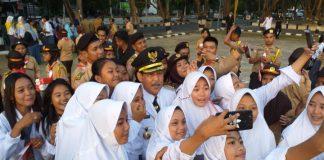 Bupati Sidrap bersama siswa dan siswi Kabupaten Sidrap. (BERITA.NEWS/H Aru).