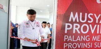Ketua Umum Palang Merah Indonesia (PMI) Sulawesi Selatan (Sulsel) Adnan Purichta Ichsan saat meresmikan Aula DR Ichsan Yasin Limpo. (BERITA.NEWS/ACP).