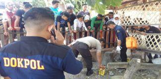 Petugas saat mengidentifikasi penemuan mayat. (BERITA.NEWS/Saharuddin).