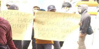 Aksi demontrasi oleh Aliansi Mahasiswa dan Pemuda Anti Korupsi Peduli Keadilan didepan Lapas Kelas II B Kabupaten Takalar. (BERITA.NEWS/Abdul Kadir).