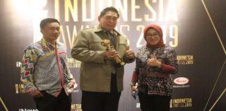 Foto : Sekda Sulsel Abdul Hayat Gani saat terima penghargaan Layanan Publik Terbaik di Jakarta. (BERITA.NEWS).
