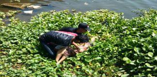 Jasad seorang perempuan yang Mengapung di Sungai Jeneberang Gowa. (BERITA.NEWS/Putri).