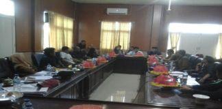 Rapat mediasi Polemik Pilkades Jenetallasa di ruang rapat komisi I DPRD Jeneponto. (BERITA.NEWS/Muh Ilham).