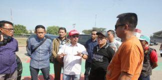 Sekda Kota Makassar Muh. Ansar saat menertibkan pejabat pemkot makassar di Lapangan Karebosi Makassar. (BERITA.NEWS/Ratih Sardianti Rosi).