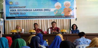 Kepala DPPKB Kabupaten Gowa Sofyan Daud saat memberikan materi kepada peserta Workshop. (BERITA.NEWS/Putri).