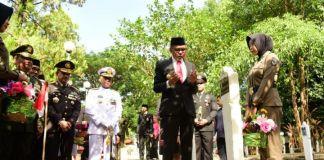 Gubernur Sulsel Nurdin Abdullah peringati Hari Pahlawan 10 November. (BERITA.NEWS/Andi Khaerul).