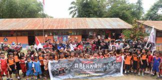 Astra Motor Makassar dan komunitas motor honda saat berkunjung ke ke SD Negeri 6 Rantepao, Toraja Utara. (BERITA.NEWS/Ratih Sardianti Rosi).