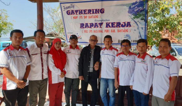 Anggota Forum Komunitas Guru (FKG) IPS Bantaeng. (BERITA.NEWS/Saharuddin).