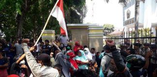 Suasanan demonstrasi aliansi 431 di DPRD Kabupaten Bantaeng. (BERITA.NEWS/Saharuddin).
