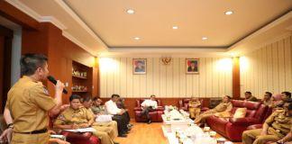 Pertemuan empat kepala daerah bersama Gubernur Sulsel di ruang kerja Bupati Bantaeng. (BERITA.NEWS/Saharuddin).