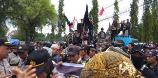 GMBI lakukan aksi unjuk rasa bersama ratusan pengikut Tajul Khalwatiyah Syekh Yusuf, Gowa. (BERITA.NEWS/Putri).
