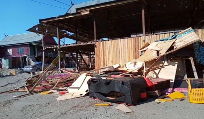 Suasana rumah pelaku pembunuhan di Dusun Parang - parang, Desa Mangepong, Kecamatan Turatea, Kabupaten Jeneponto. (BERITA.NEWS/Muh Ilham).