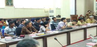 Masyarakat Salipolo Pinrang Mengaku Ke Provinsi Soal Dampak Aktivitas Tambang. (BERITA.NEWS/Andi Khaerul).