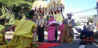 Acara pwnyambutan Kapolrwa yang baru, AKBP Wawan Sumatri di pelataran Polres Bantaeng. (BERITA.NEWS/Saharuddin).