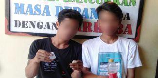 Dua pemuda di Bantaeng, Daring (18) dan Syam (19) saat diamankan di Mapolres Bantaeng. (BERITA.NEWS/Saharuddin).