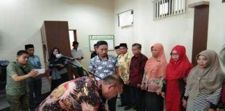 Bupati Luwu, H. Basmin Mattayang kembali melakukan mutasi diawal bulan desember tahun ini. Ada 10 guru yang dipromosi dan diberi tugas tambahan sebagai kepala sekolah.