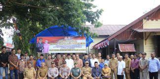 Foto bersama Kapolres Bantaeng bersama Tomas di Kecamatan Bantaeng. (BERITA.NEWS/Saharuddin).